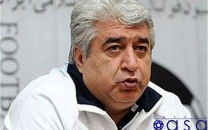 حسین شمس: تایلند زخم خورده است/ تیم ملی باید با ۸ نفر بازی کند/انتقال تاسیسات قطعی نشده است