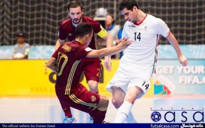 جاوید: تیم ملی فوتسال بازی به بازی بهتر می شود/رقابت نزدیکی بین سه تیم ایران، آرژانتین و صربستان برای صعود به عنوان سرگروه به مرحله بعد وجود دارد