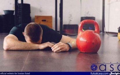 ورزش و تندرستي را سه شنبه ها در خانه فوتسال پيگيري كنيد/ حركتي كه قبل از كار با وزنه توصيه مي شود