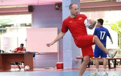 مربی ویتنام: شایسته حضور در جام جهانی فوتسال هستیم/ ایران باید در لیتوانی باشد