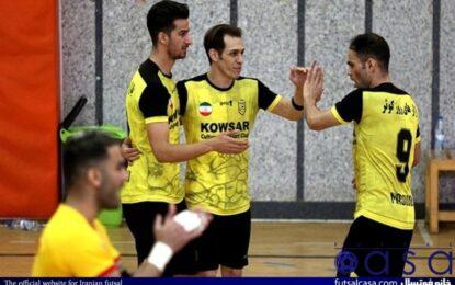 مصدومیت ستاره تیم اصفهان در جدال با شهروند/ بازیکن کوثر از بیمارستان مرخص شد