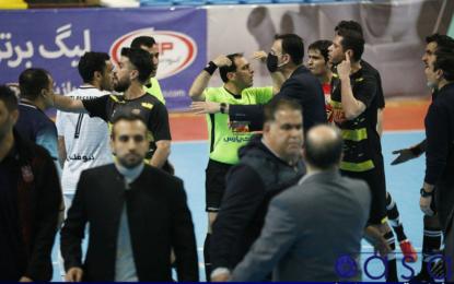 درگیری در دیدار گیتی پسند اصفهان و کراپ الوند قزوین +تصاویر و فیلم