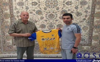 بازیکن فرش آرای مشهد قراردادش را تمدید کرد