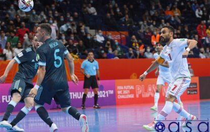 حسنزاده: به جام جهانی آمدهایم تا نظر مردم را نسبت به فوتسال ایران تغییر دهیم/تیمهای آسیایی تکنیک و تاکتیک متخص به خود را دارند
